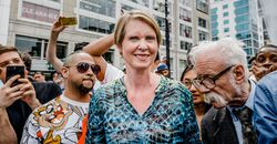New York City 2018 May 5. Cynthia Nixon and Dana Beal