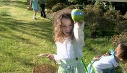 102 Little Zoe Apple Hunt
