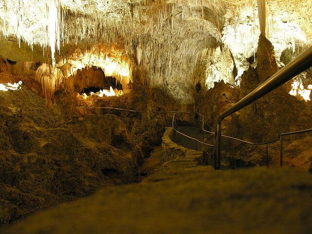 File:Carlsbad Caverns rail pic.jpg