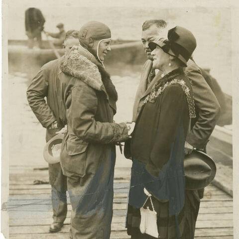 File:Earhart in Southampton.jpg