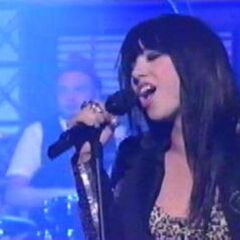 Carly performs on <i>Late Show with David Letterman</i>.