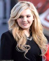 Abigail Breslin 6