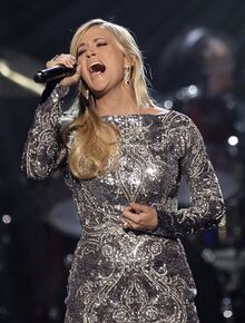 Carrie-Underwood-sings-How-Great-Thou-Art-during-Girls-Night-Out.-AP-Photo