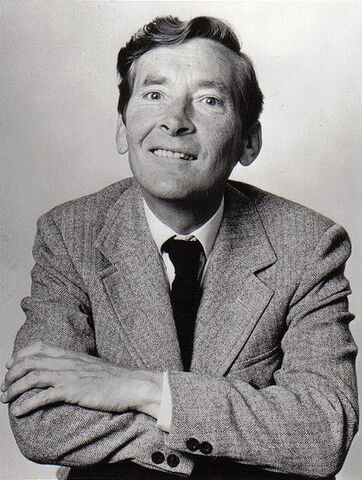 File:Kenneth-Williams-carry-on-movies-16723847-406-538.jpg