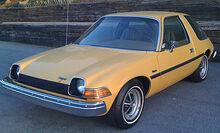420px-1975 AMC Pacer base model frontleftside