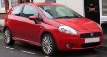 1920px-2006 Fiat Grande Punto Sporting T-J 1.4 Front