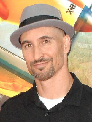 Scott Menville | Scooby-Doo! Mystery Incorporated Wiki ...