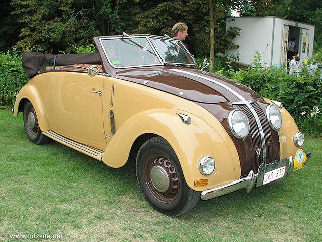 File:Adler 2,5 Liter cabriolet by Karmann 1938-1-.jpg