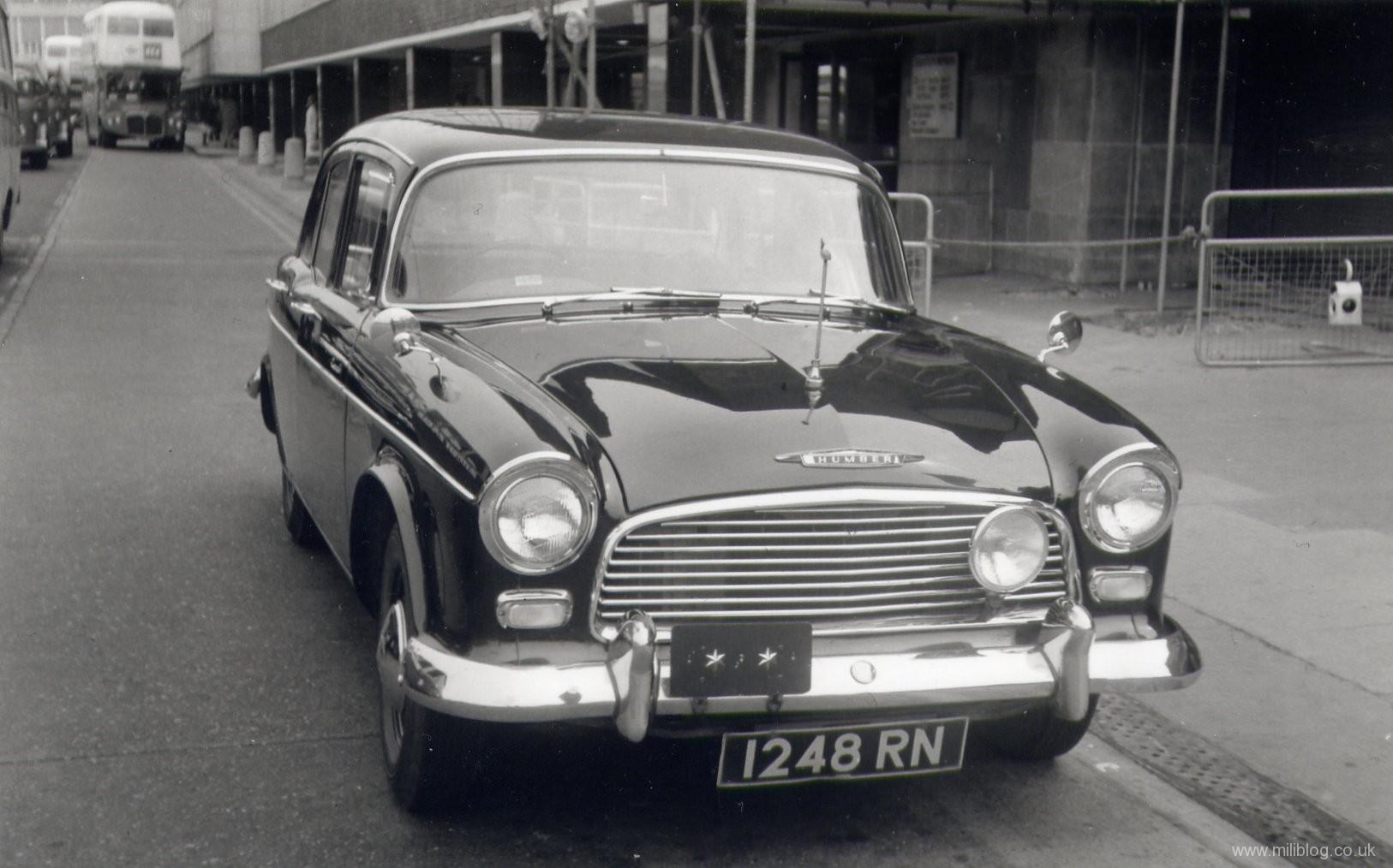 Humber-hawk-staff-car-1248-rn