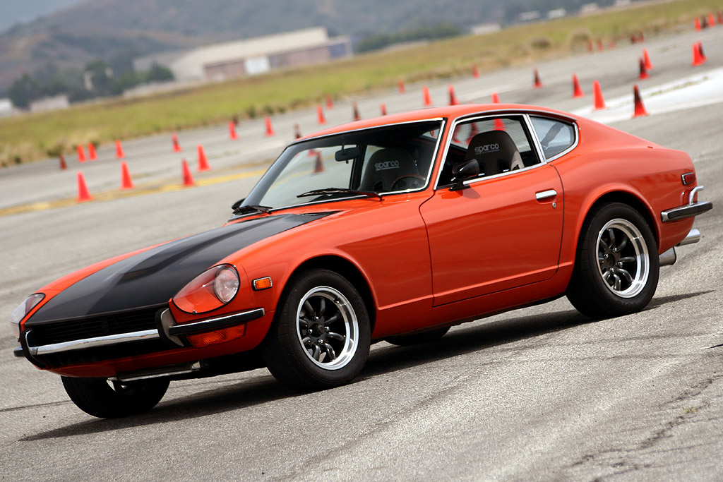 1970-Datsun-240z-Wallpaper