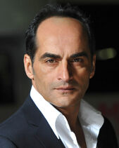 Navid Negahban - 01
