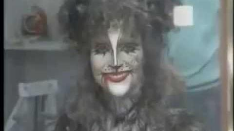 Loni Ackerman in Cats