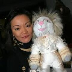 Cynthia Onrubia with Victoria Broadway Bear