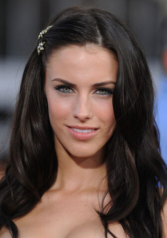 File:Jessica Lowndes Inglourious Basterds Premiere AWRPdA-ZBp5l.jpg