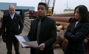 S05E18-At docks