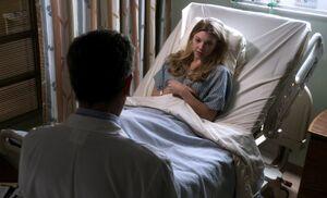 S01E23-Adler in hospital