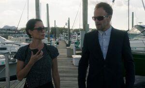 S05E05-Watson Holmes docks
