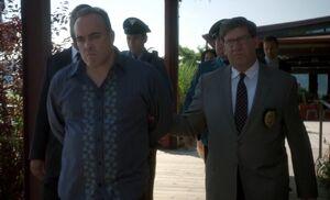 S04E01-Murillo arrest