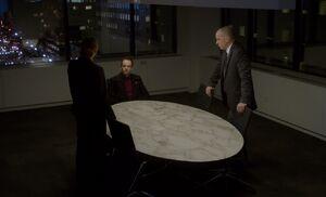 S01E13-Holmes interrogated