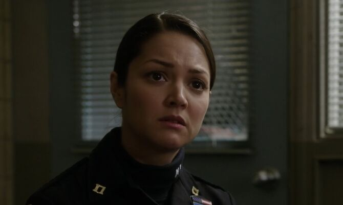 S01E16-Officer Reyes