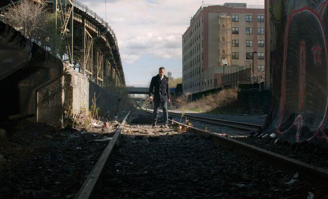 S03E24-Holmes descends