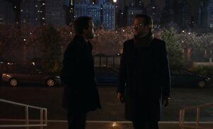 S01E01-Holmes confronts Mantlo