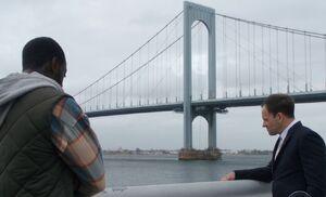 S06E09-Alfredo Holmes bridge