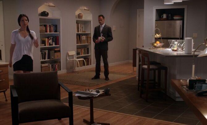 S03E01-Watsons apartment