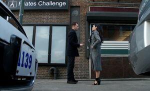 S04E22-Holmes Watson murder scene