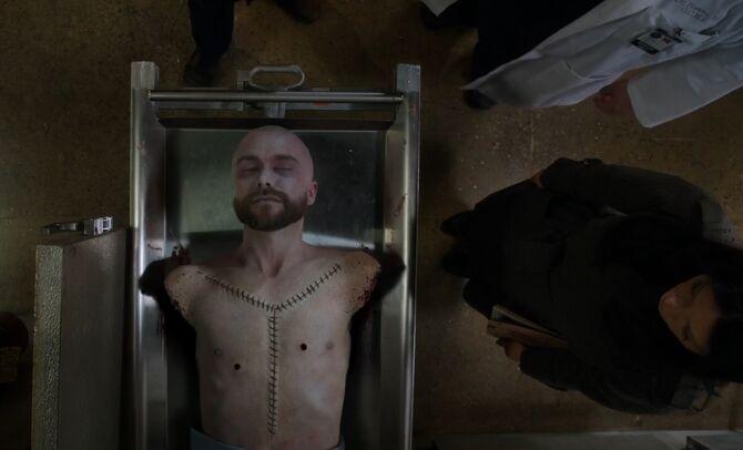 S02E23-West in morgue