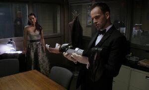 S02E13-Watson Holmes dressed up