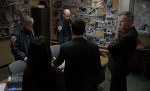 S01E08-With bomb squad