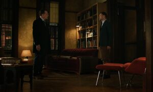 S04E23-Morland Sherlock argue