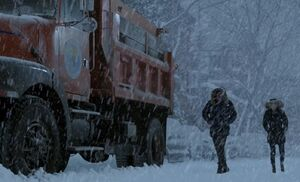 S01E19-Outside snow plow