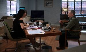 S03E01-Watsons apartment-office