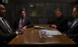 S03E16-Holmes interrogated