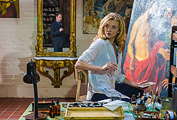 File:008 The Woman episode still of Sherlock Holmes and Irene Adler 250px.png