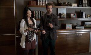 S01E04-In Talbotts office