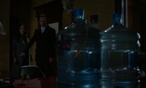 S04E23-Watson Holmes bomb