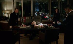 S06E13-Holmes Watson Bell dead body