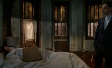 S05E13-Holmes wakes Watson