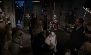 S01E14-Mannequin scene