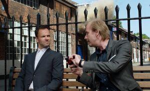 S02E01-Mycroft Sherlock explosion