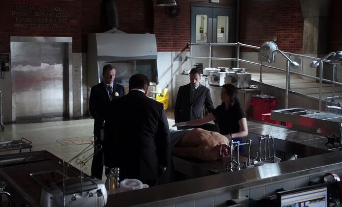 S02E13-Ferrara and headless Pardillo