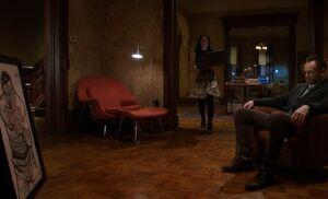 S02E18-Holmes target