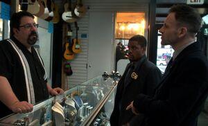 S03E23-At pawn shop