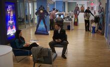 S04E17-Watson Holmes at Superlative Comics