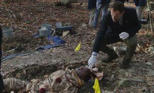 S05E12-Holmes dead clown