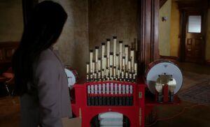 S05E12-Watson circus organ