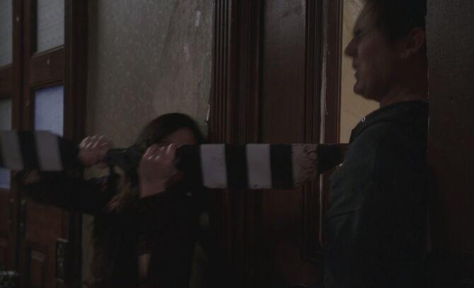 S06E20-Watson stabs Michael